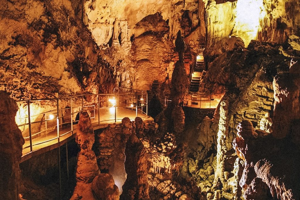 мраморная пещера 2